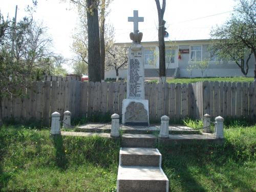 Monumentul Eroilor - Bursucani