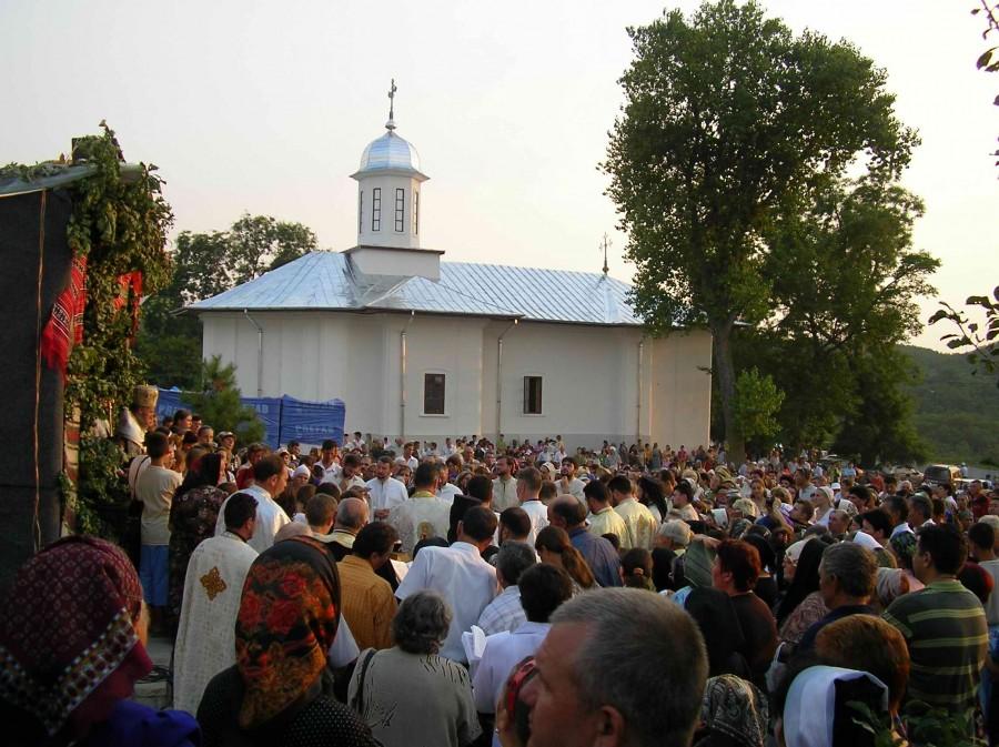 """Campanie VL """"Biserici istorice gălăţene"""": Mănăstirea Adam – mărturii despre trecut"""